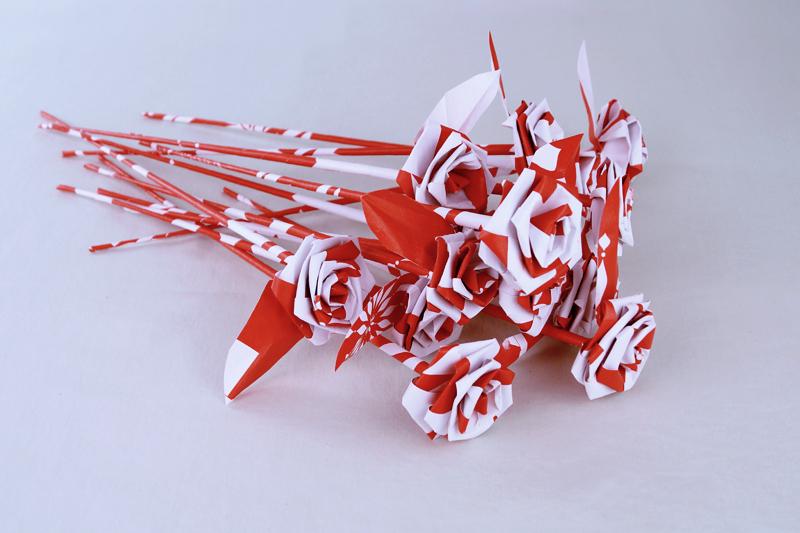 long stemmed paper roses